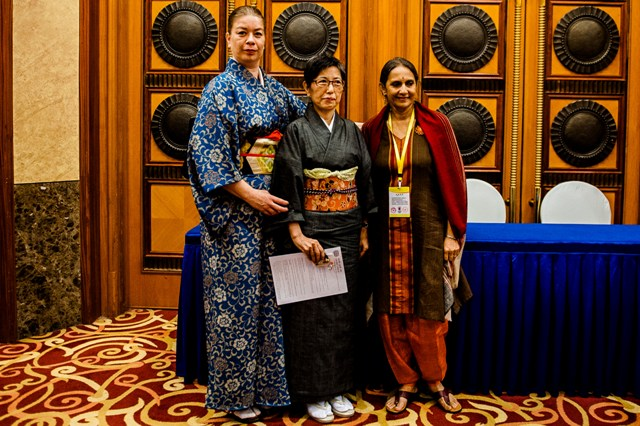 <!--:en-->Noriko Nishimoto receives award from the UNIMA Women's Commission in Chengdu<!--:-->