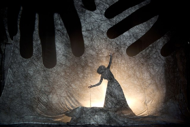 'THE LABYRINTH. Following the Shadows', a Shadow Theater Workshop by Fabrizio Montecchi and Camille Trouvé